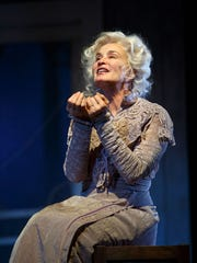 Jessica Lange's wrenching turn in a revival of 'Long