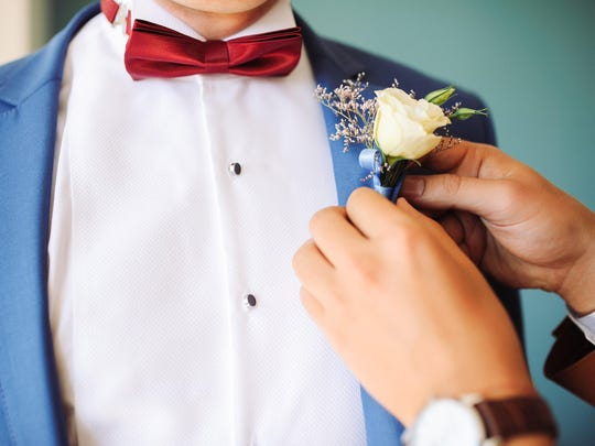 Thanks to the rising popularity of promposals, prom is even more expensive.