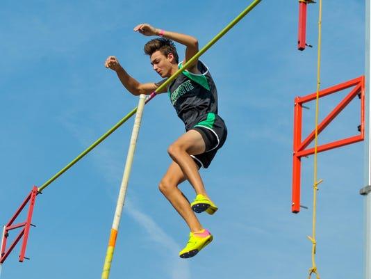 Armand.Duplantis.beaver.relays.04.11-0269