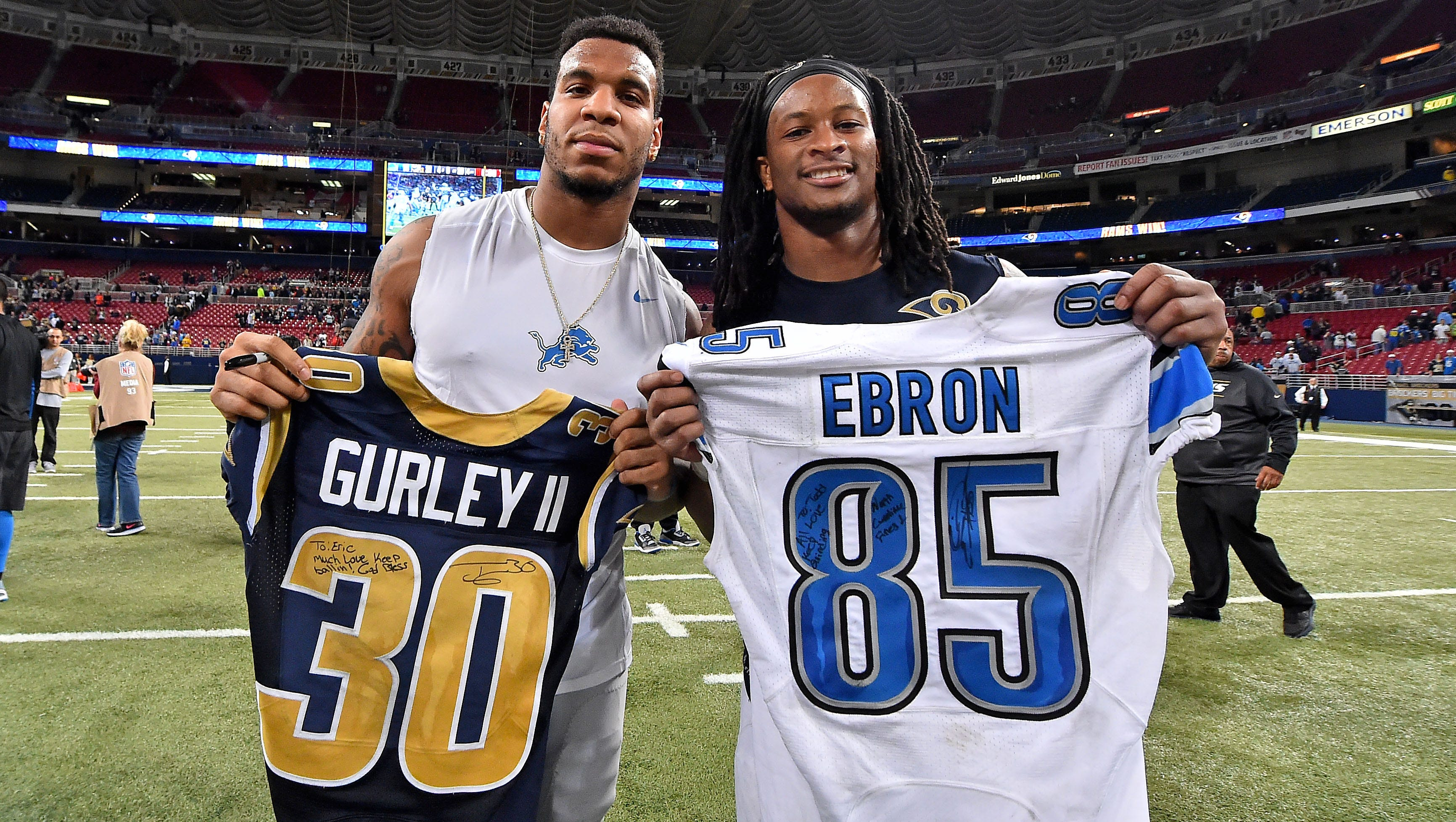 Lions join other NFL players in jersey-swapping craze