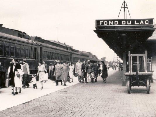 635780015259516260-train-depot