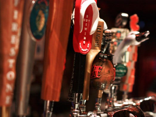 The Stirling Hotel has tons of beers on tap.