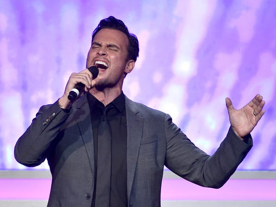 Actor Cheyenne Jackson will sing on March 5, 2016,