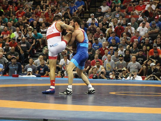 thomas gilman sweeps former iowa teammate tony ramos for world team spot. Black Bedroom Furniture Sets. Home Design Ideas