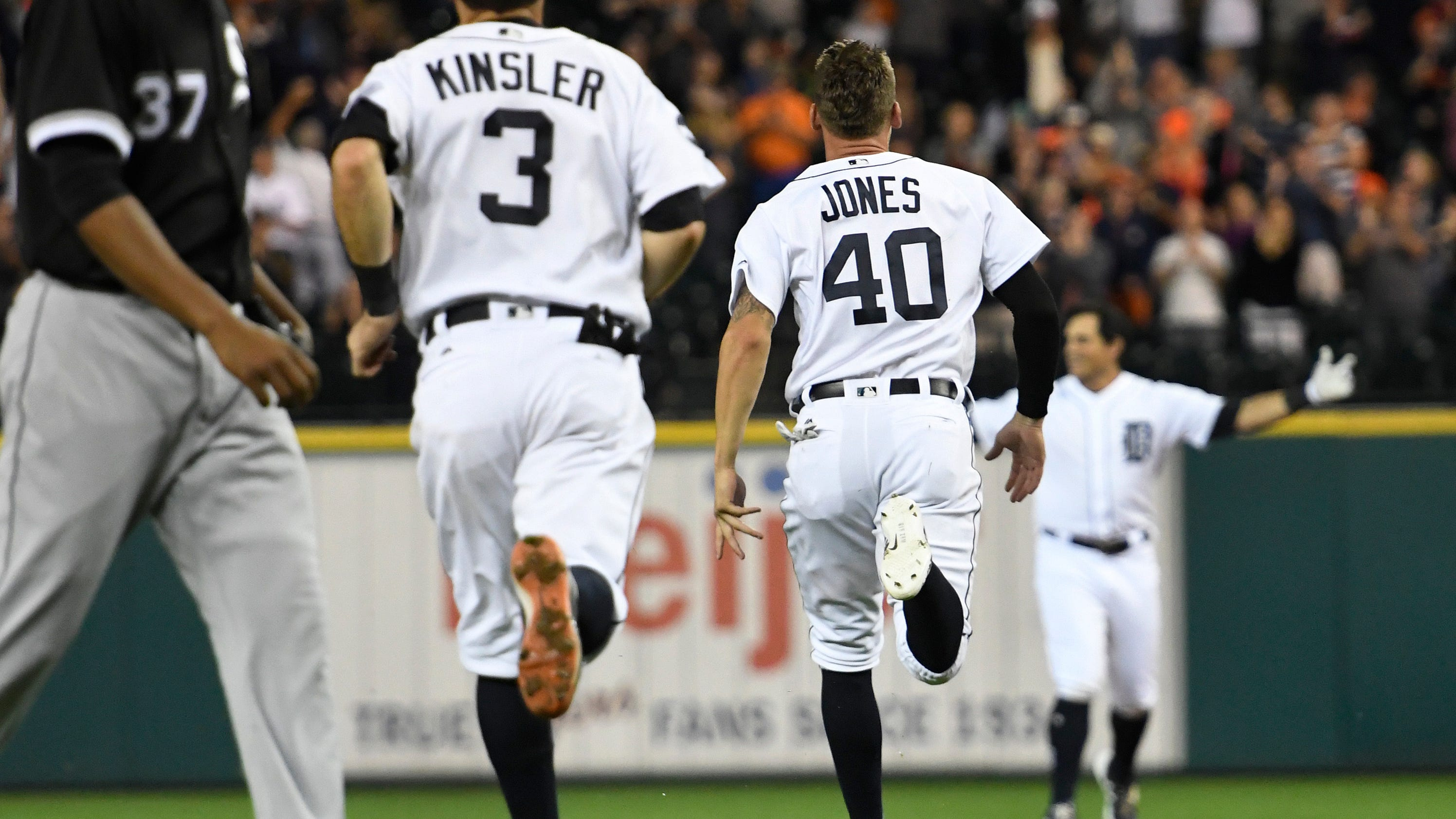 Auto-Mahtook: Outfielder gets Tigers walk-off win vs ChiSox