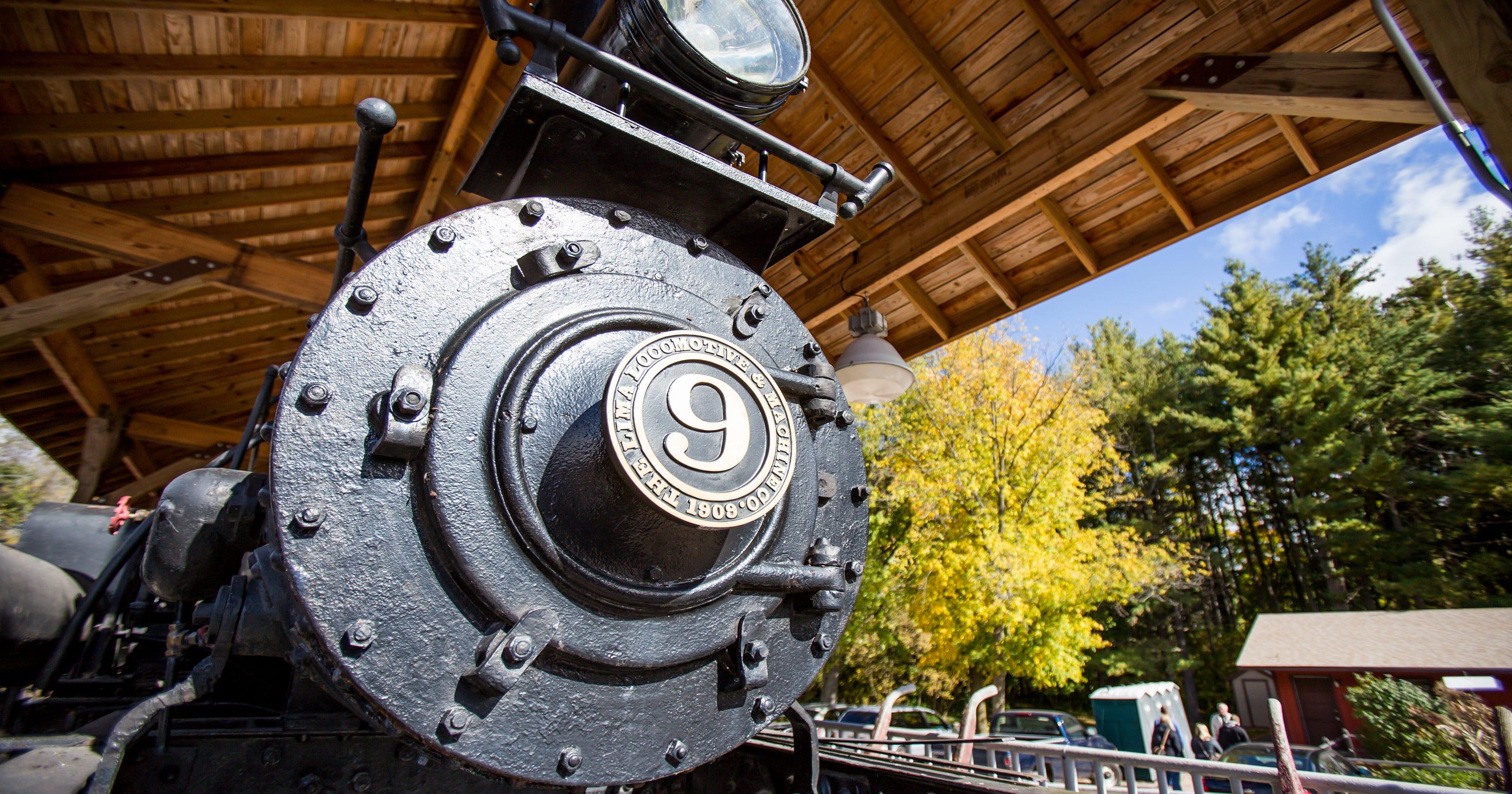 8 scenic train rides in wisconsin