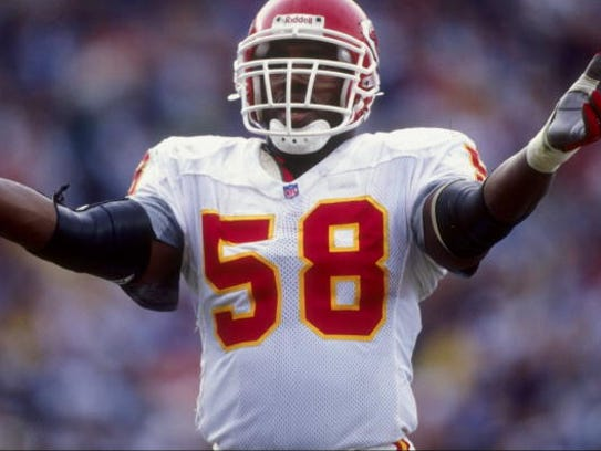 Outside lineback Derrick Thomas #58 of the Kansas City