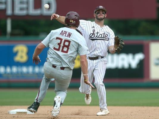 NCAA_Regional_Mississippi_St_Florida_State_Baseball_29784.jpg