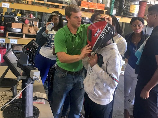 Students from Hamilton High School use virtual reality