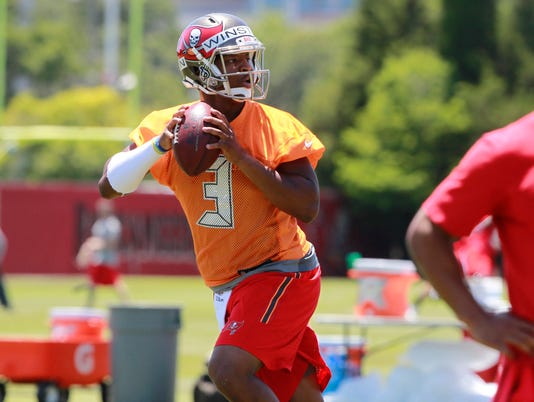 Eagles tried to trade up for Mariota, but Bucs stood by Jameis Winston
