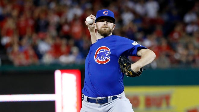 Wade Davis saved 32 games for the Cubs in 2017.