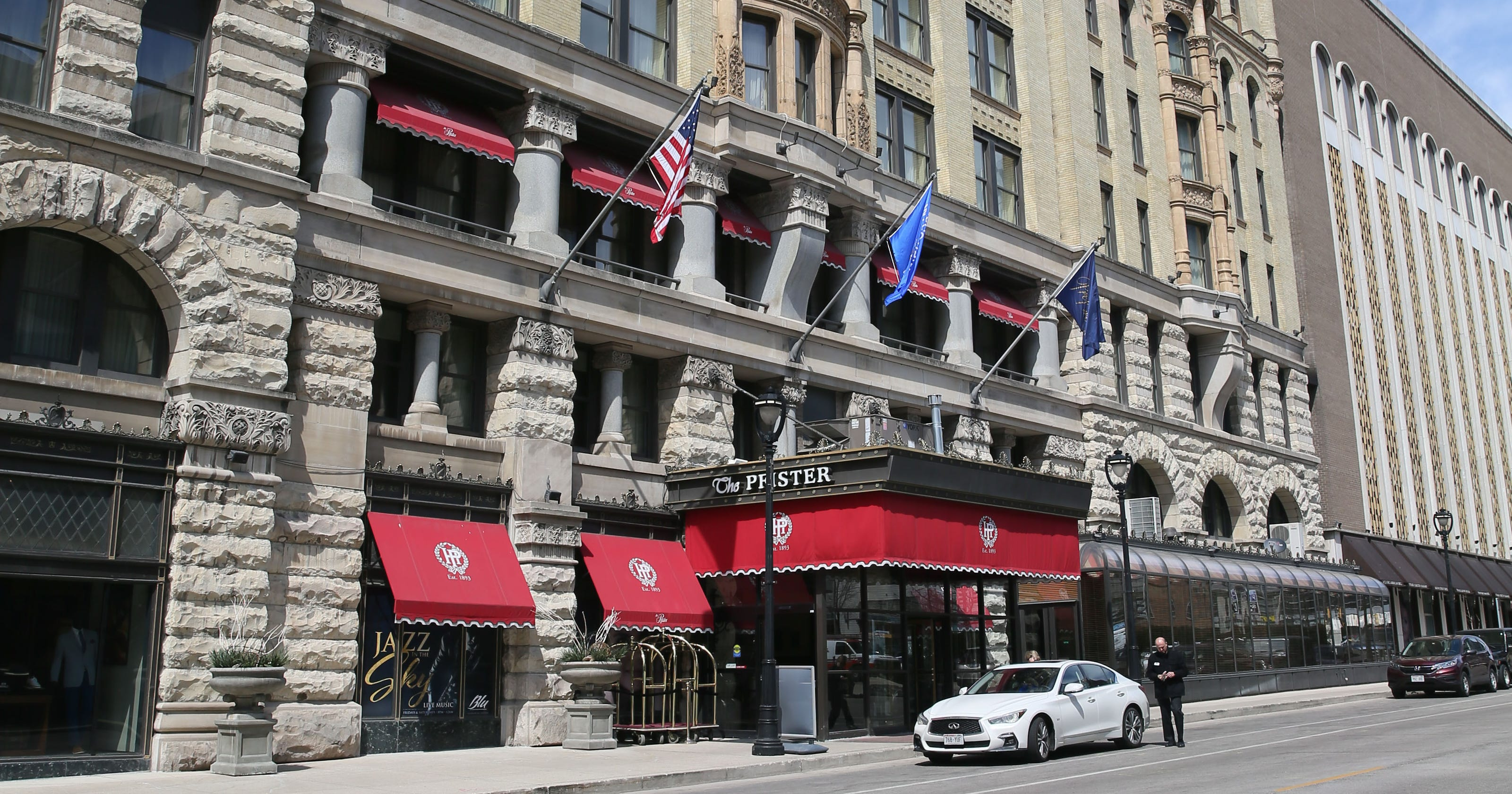 president trump milwaukee 39 s pfister hotel might be haunted. Black Bedroom Furniture Sets. Home Design Ideas