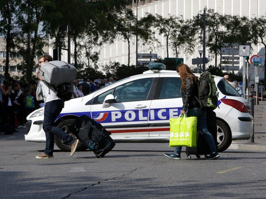 AP APTOPIX FRANCE KNIFE ATTACK I FRA