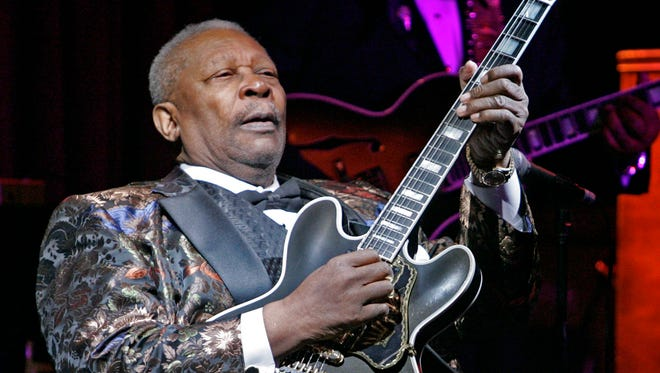 B.B. King plays during his 10,000th career performance  in 2006.