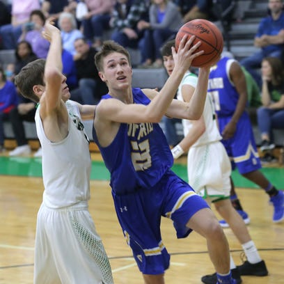 Ontario's Griffin Shaver makes a jump shot while playing
