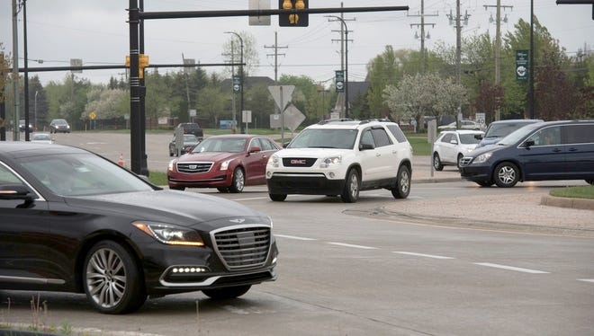 Traffic circles are supposed to help traffic flow, but the roundabout at 14 Mile and Orchard Lake roads in Michigan's West Bloomfield Township was the fourth most dangerous intersection in the state in 2017 because drivers don't know how to navigate it.