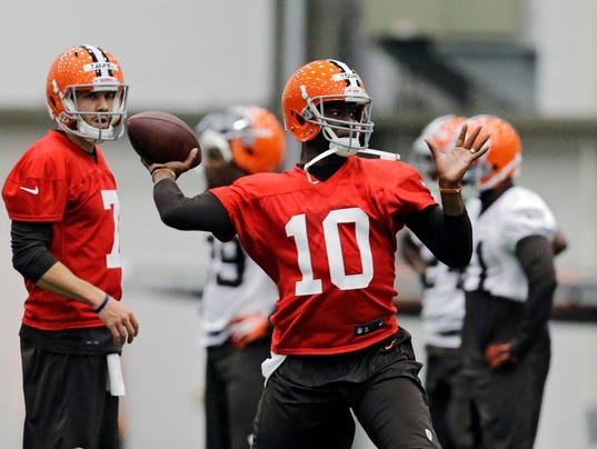 Browns_Quarterbacks_Football__ablumer@cincinnati.com_1