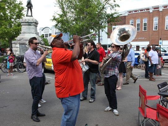 A crowd gathered at the Murfreesboro public square