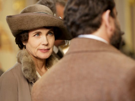 Elizabeth McGovern plays Cora, Countess of Grantham.
