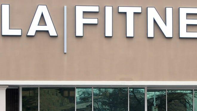 An LA Fitness sign in Wayne.