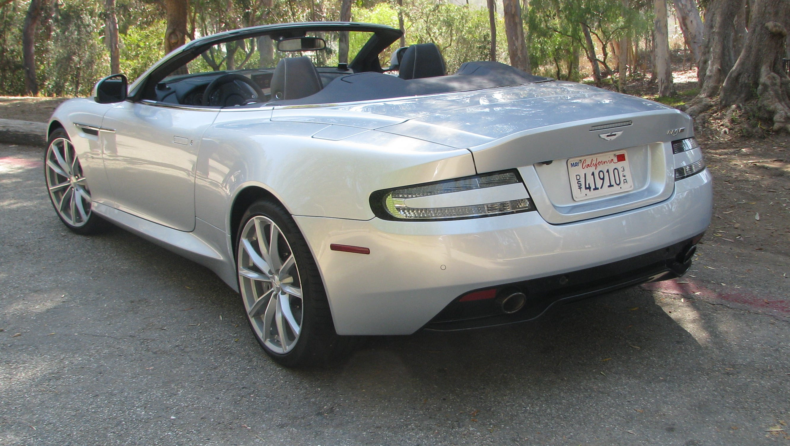 Review Aston Martin S Db9 Gt Is Sensual But Pricey