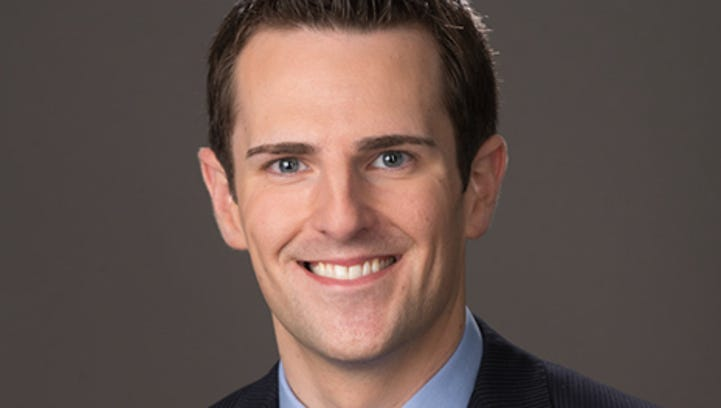 CBS Sports anchor Chris Hassel to emcee the 2018 Des Moines Register Sports Awards