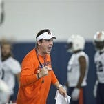 Auburn's defensive coordinator Will Muschamp screams at a player during a practice in Auburn, Ala.