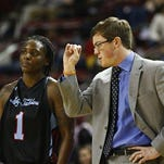 Louisiana Tech basketball coach Tyler Summitt saw his team lose at Middle Tennessee on Thursday.