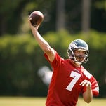 Sam Bradford throws during Eagles' practice Tuesday.