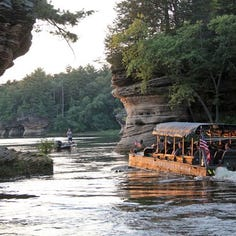 17 died when a duck boat capsized in Missouri. Here's what Wisconsin Dells duck boat companies have to say about safety