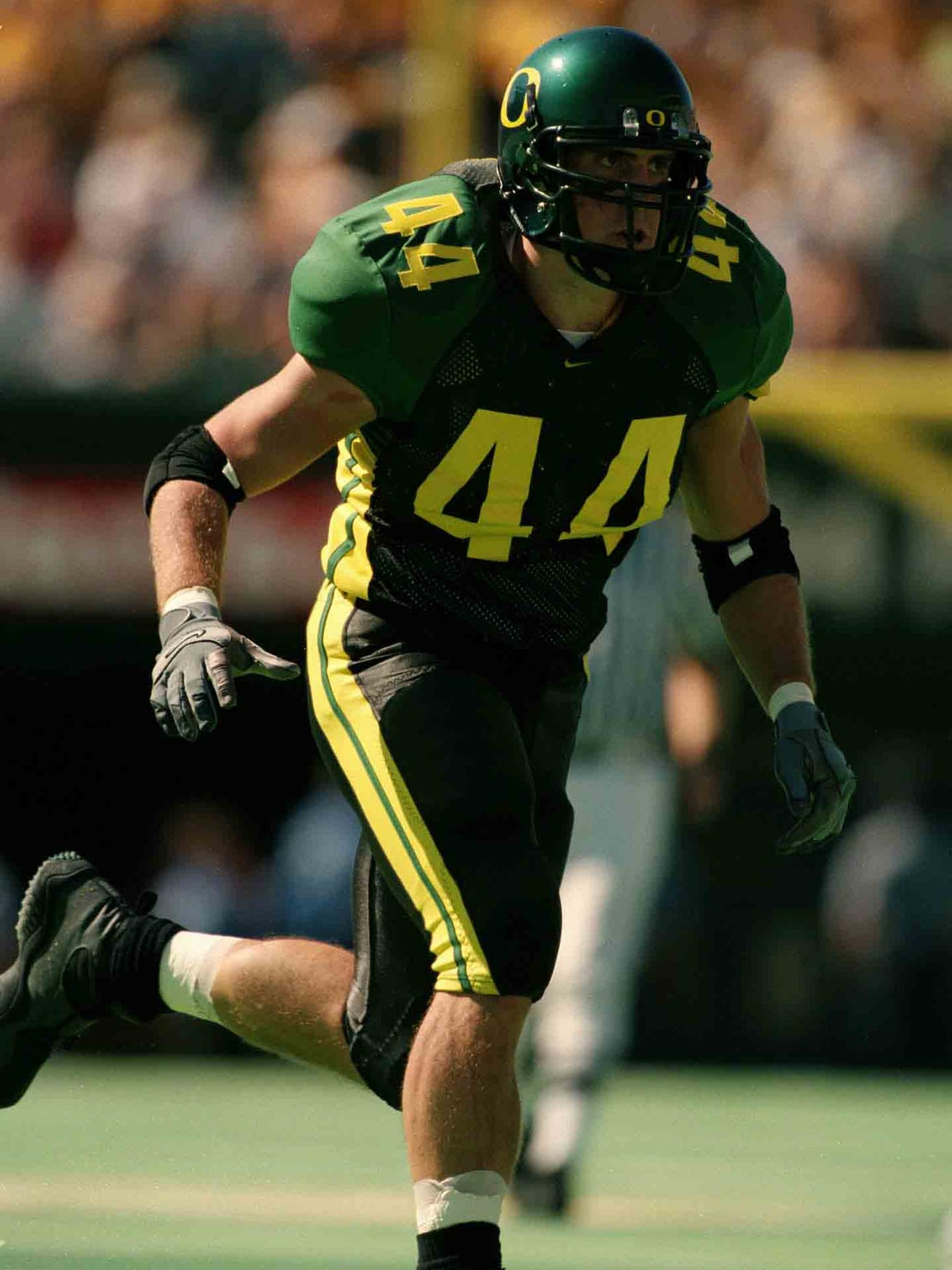 Peter Sirmon was a standout linebacker at Oregon, and