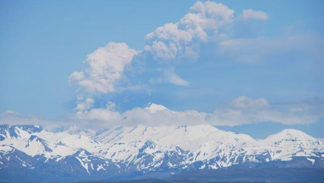 Eruption of Pavlof Volcano. Image copyright Christopher Diaz at northernXposed Photography via Alaska Volcano Observatory.