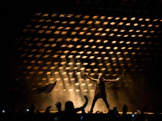 Kanye West performs at Summer Ends Music Festival at Tempe Beach Park on Sunday, September 27, 2015.