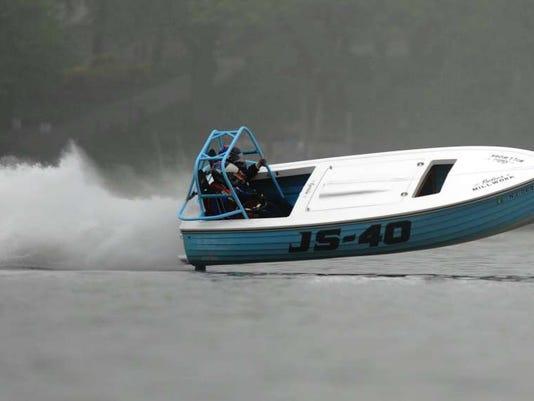 052516-st-boatrace.jpg