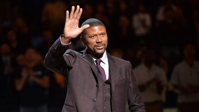 Former NBA player Jalen Rose receives the 11th Annual National Civil Rights Museum Sports Legacy Award before an NBA basketball game between the Memphis Grizzlies and the New Orleans Pelicans on Martin Luther King Jr. Day, Monday, Jan. 18, 2016, in Memphis, Tenn. (