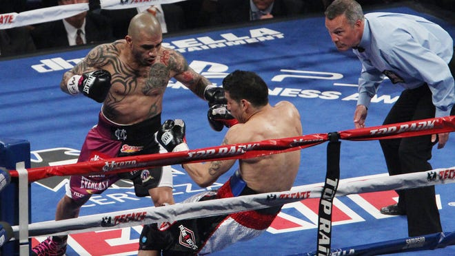 Miguel Cotto wants any opponent to meet him at a catchweight. (Noah K. Murray-USA TODAY Sports)