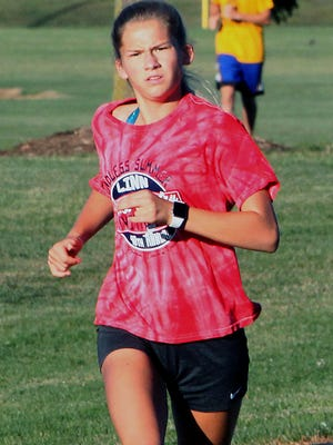 Anna Rivera guided the Moberly Lady Spartans cross country team to a first place finish Tuesday at the 2020 Chillicothe 5k Invitational to extend the program's winning streak at this event 8-straight years. Rivera placed second overall in the girls race with a time of 20:40.