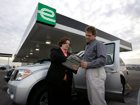 Can You Rent A Car With Cash >> 4 Ways To Hold On To Cash When Renting A Car