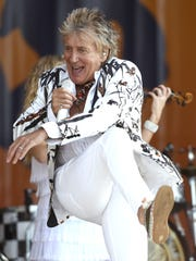 Rod Stewart performs during the New Orleans Jazz and