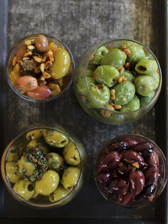 Food Holiday Entertaining Marinated Olives (2)