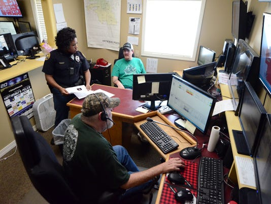 636247594219765772-Hattiesburg-911-Dispatch-3.jpg