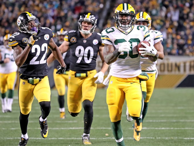 Green Bay Packers running back Jamaal Williams (30)