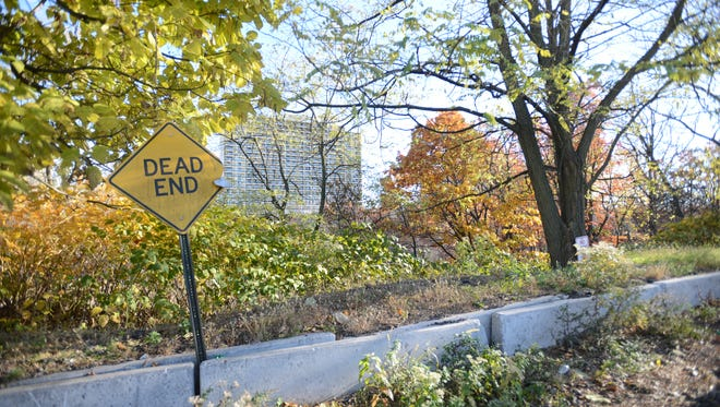 This parcel of land between Palisades Park and Fort Lee on Edsall Boulevard became a hot button issue after a developer proposed to build a residential high-rise at the site to the Palisades Park Zoning Board of Adjustment in 2016. It has seen been approved and is now the subject of a lawsuit.