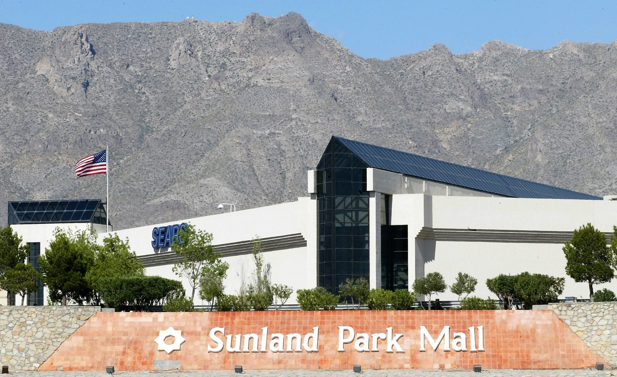 Sunland Park Mall, Starr Western Wear