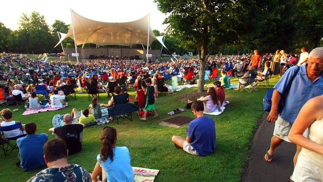 The free Crockett Park Concert Series at the Eddy Arnold Amphitheater  takes place on Sunday nights.