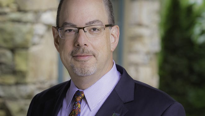 Warren Wilson College's seventh president to become the newest leader Steven Solnick, Warren Wilson College's seventh president, is resigning to lead The Calhoun School, an independent day school in New York City.