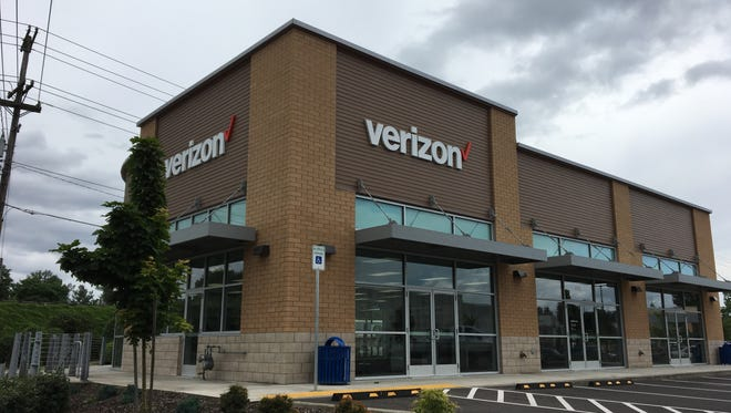 The newly opened GoWireless/Verizon location at 535 Edgewater St. NW in Salem, Oregon, on May 25, 2018.