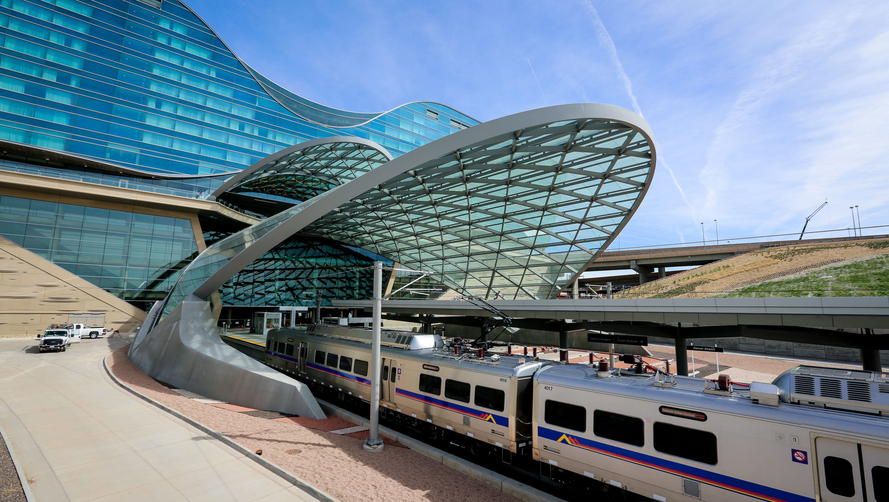 Denver S New Airport Train Starts Service