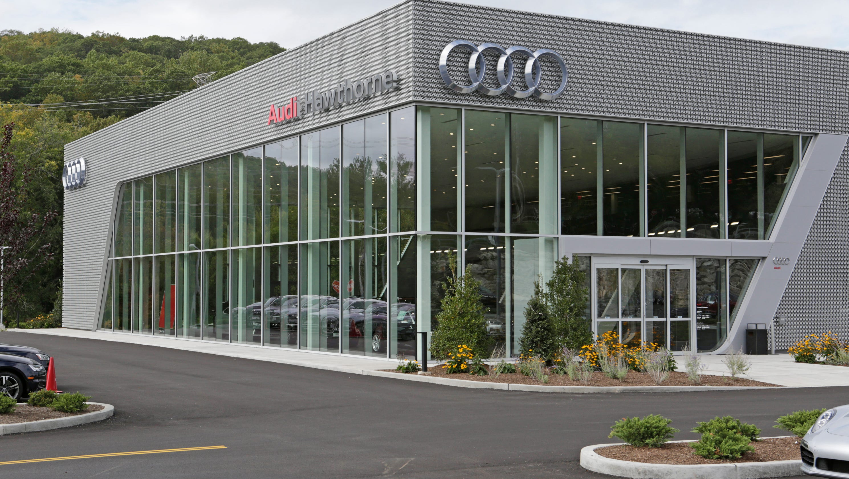 Westchester Car Dealers Build Bigger Aim To Pamper Buyers