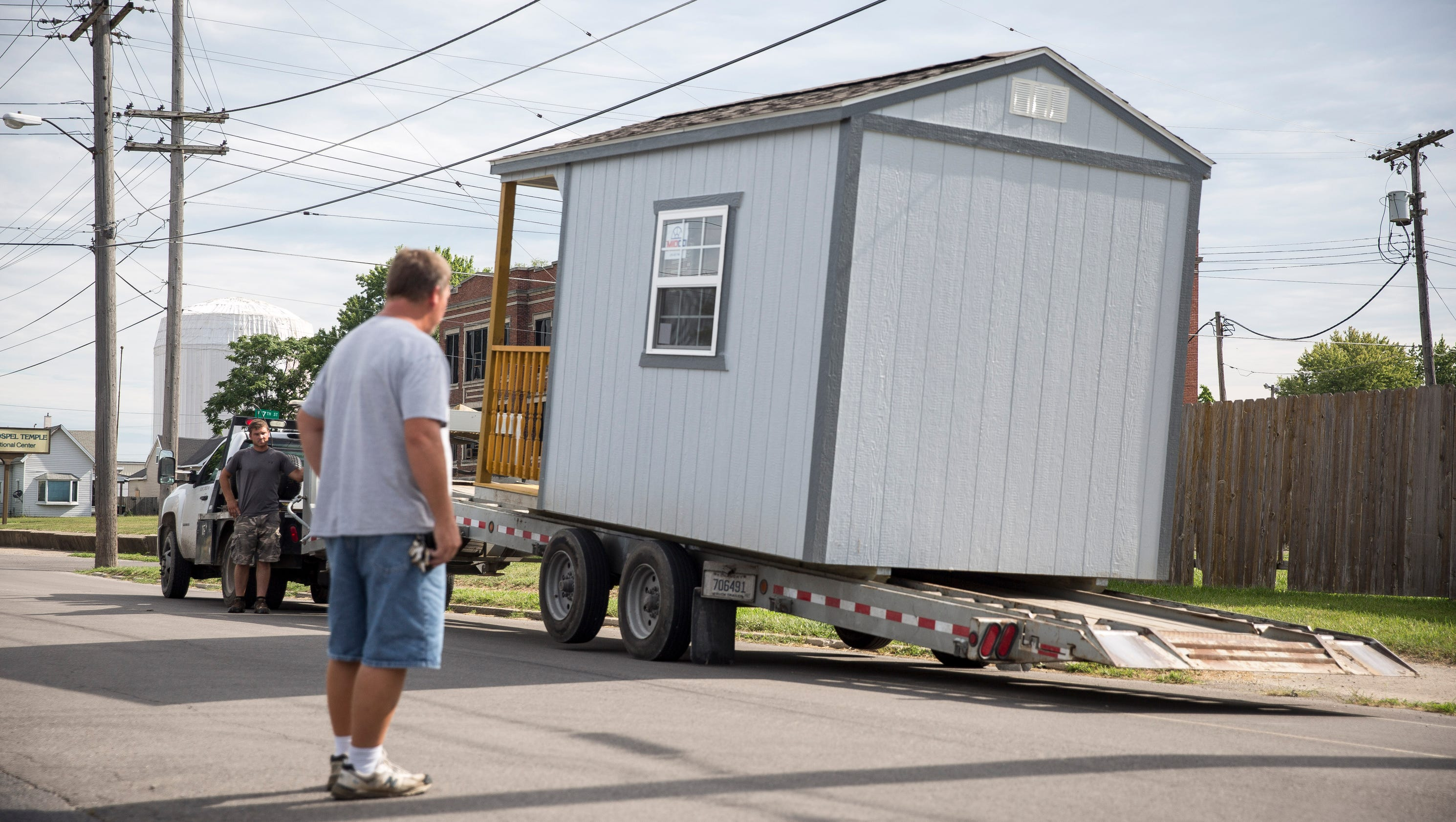 Indiana 39 s first tiny homes for homeless arrive in muncie for Local house builders